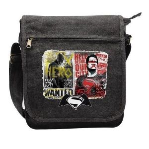 DC COMICS - BATMAN VS SUPERMAN GRAFFITI SMALL MESSENGER BAG (ABYBAG137)